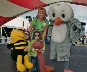 Cindy Cook and Owlie at the Tulip Festival